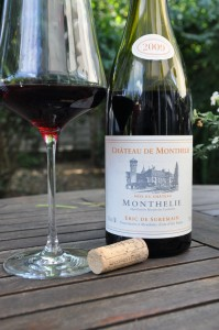 Chateau de Monthelie - Monthelie Villages 2009
